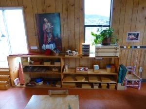 Fotos, cuadros y plantas en casa de niños