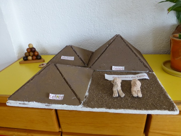 piramide hecha por un niño
