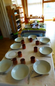 Poniendo la mesa entre todos