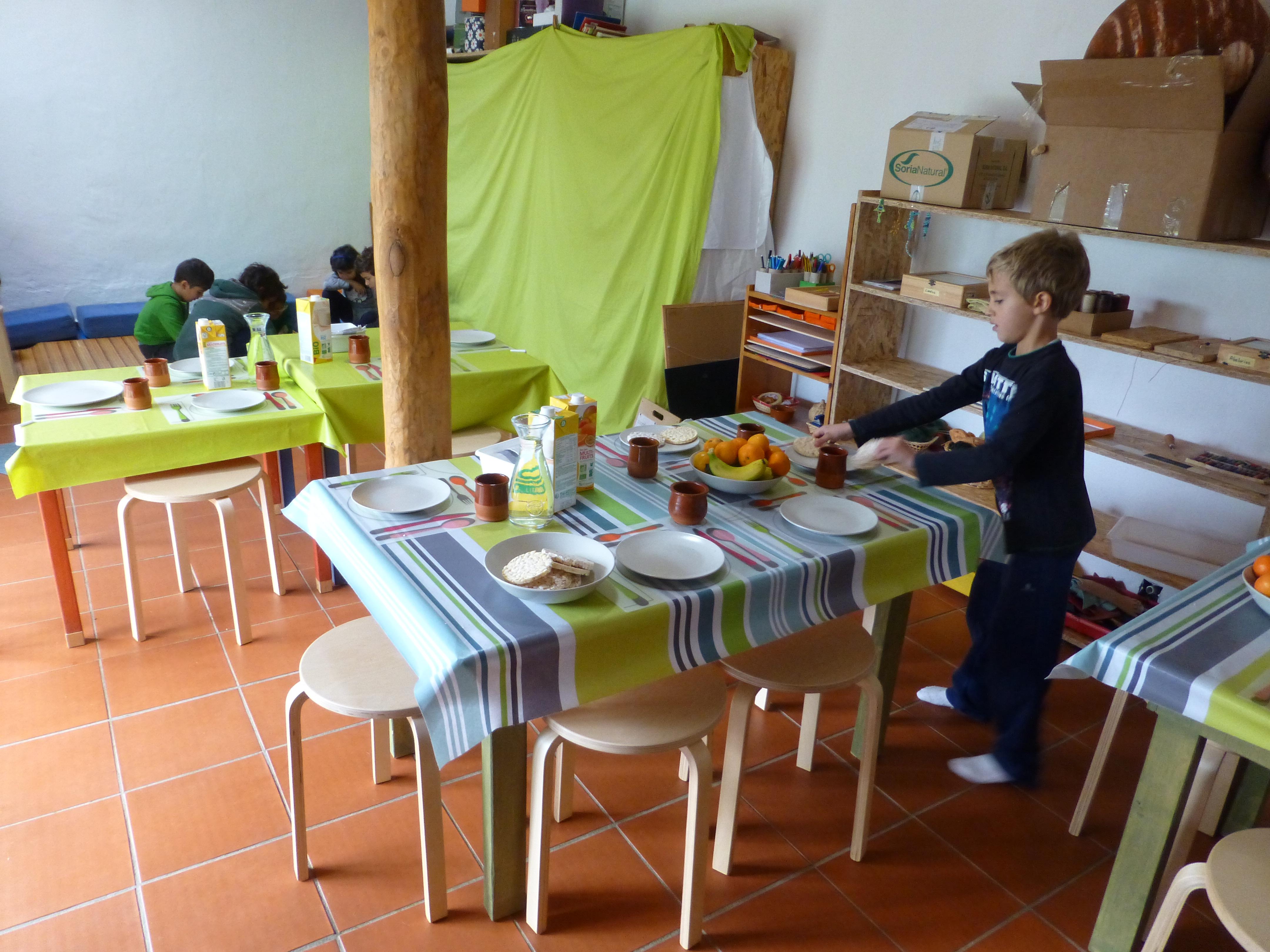 Taller aprenderlachispa for Mesa de comer